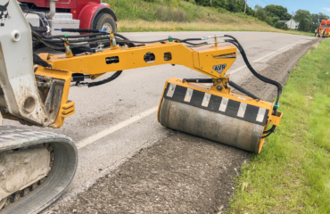 vibratory roller - shoulder compaction